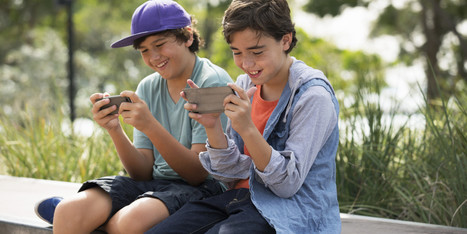 Have Smartphones Made Parents Dumb? - Huffington Post | Early Learning Development | Scoop.it