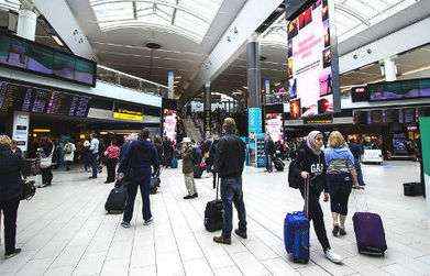 Beacons land at UK airports to send out offers and rewards • NFC World+   iBeacon & micro location in the retail space   Scoop.it