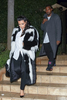 Kim Kardashian's Christian Louboutin Pumps Nib Pointed Toe Black Patent | Chaussures tendances ! | Scoop.it