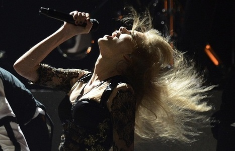 Taylor Swift: 'Red Tour' Beats Exes John Mayer, Harry Styles and Joe Jonas' Ticket Sales, Singer Still Struggles with Insecurity   Red tour   Scoop.it