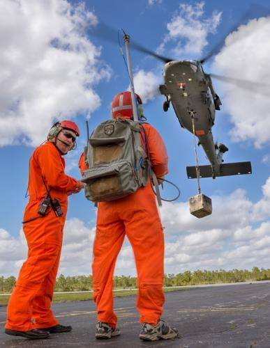Optionally piloted Sikorsky UH-60 - maiden flight - Optionally Piloted Black Hawk (OPBH) Demonstrator | D-FENS | Scoop.it