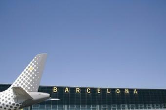Vueling estrena la ruta Barcelona-Dakar con un 83% de ocupación | Transportes | España en el Aire | Scoop.it