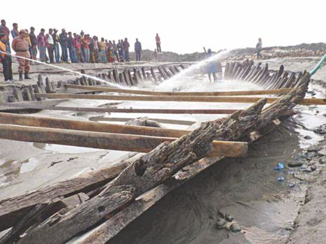 <i>Ancient 'Rakhaine' boat to be moved to safer place soon</i> | HeritageDaily Archaeology News | Scoop.it