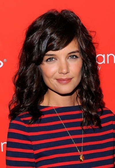 Katie Holmes Dark Brown Curly Hairstyle with Side Swept Bangs | Beautiful hair | Scoop.it