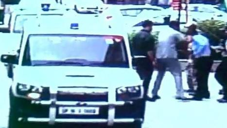Watch How Minister Mahesh Sharma's Staff Slaps Guards, Who Stopped His Car - FreeCenter | Indian | Scoop.it