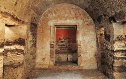 La tumba que… lleva al Hades | LVDVS CHIRONIS 3.0 | Scoop.it