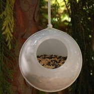 Make a contemporary birdfeeder from vintage glass shades | Upcycled Garden Style | Scoop.it