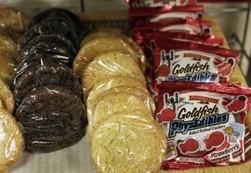 Parents, food service directors debate snacks sneaking into kids' diets at school | Supporting Healthy Schools | Scoop.it