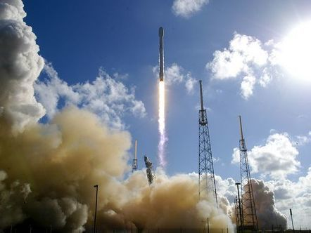 SpaceX lands fourth booster after successful Falcon 9 launch | Aerospace and aviation construction | Scoop.it