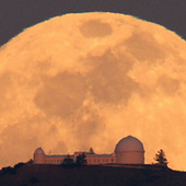 10 Moons Every Person Should Know | Looks -Pictures, Images, Visual Languages | Scoop.it
