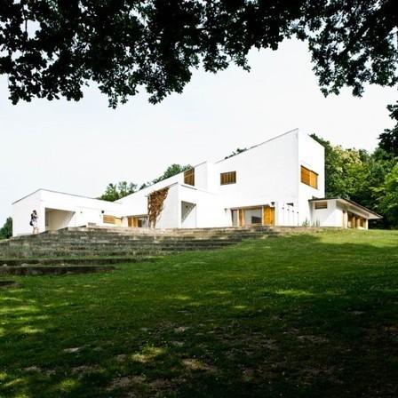 [Bazoches-sur-Guyonnes, France] AD Classics: Maison Louis Carré  / Alvar Aalto | The Architecture of the City | Scoop.it