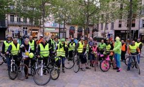 Carcassonne. En vélo, en fluo, c'est plus visible et rigolo | RoBot cyclotourisme | Scoop.it