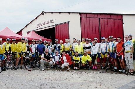 Des cyclotouristes dans le vignoble Libournais - AQUITAINE | Cyclotourisme - véloroutes et voies vertes | Scoop.it