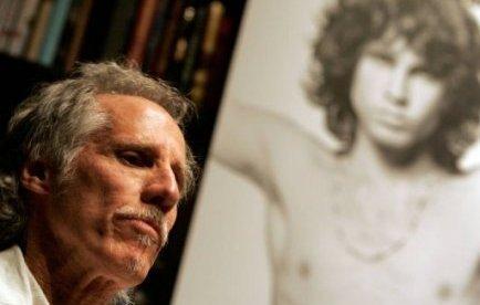 Jim Morrison, grâcié aux Etats-Unis pour exhibitionnisme, 40 ans après | Mais n'importe quoi ! | Scoop.it