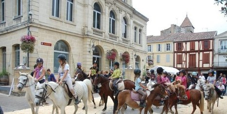 Chevaux et poneys ont envahi la bastide | Coeur de Bastide de Ste Foy la Grande | Scoop.it