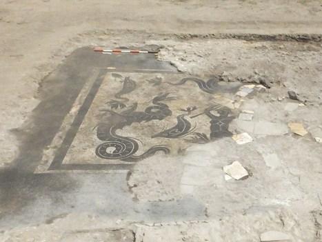 Nuovo ritrovamento a Campo della Fiera, da sotto la polvere emerge una Scilla circondata da mostri marini | LVDVS CHIRONIS 3.0 | Scoop.it