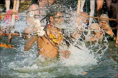 BBC News | In pictures: Hindus take dip at holy festival, The plunge | Religion in the world | Scoop.it