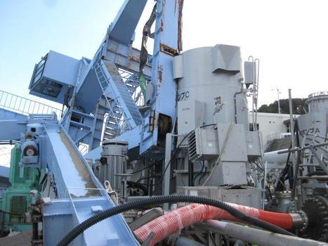 [photo] Plus de quoi crâner* , chute de grue sur une pompe à eau de mer vers les réacteurs 5/6 - corrigé | TEPCO | Japon : séisme, tsunami & conséquences | Scoop.it
