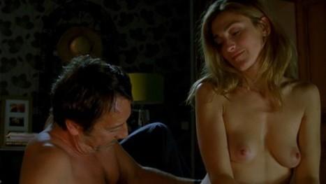 Photos : Julie Gayet nue dans Amoureuse | Radio Planète-Eléa | Scoop.it