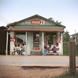 Shotguns and sundaes: Gordon Parks's rare photographs of everyday life in the segregated South | Visual Culture and Communication | Scoop.it