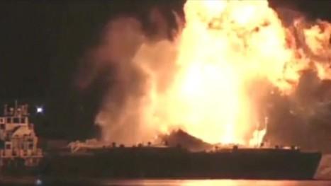 2 fuel barges on Alabama's Mobile River explode; 3 people hurt | Gov & Law jamie | Scoop.it