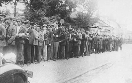 Mass Graves of the Holocaust | Archives  de la Shoah | Scoop.it