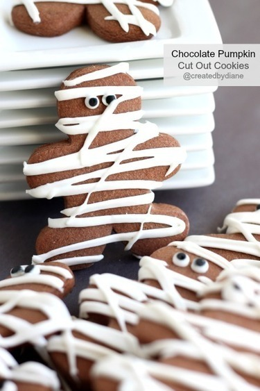 Chocolate Pumpkin Cut Out Cookie-Mummy Cookies for Halloween   Created by Diane   Halloween Treats #HolidayFoodParty   Scoop.it