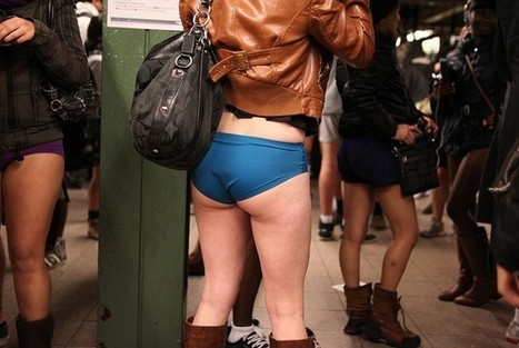 Waxing Salon Asks Commuters to Go Pantsless On NYC Subway #marketing | MarketingHits | Scoop.it