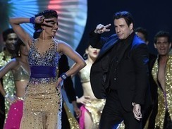 John Travolta e Kevin Spacey dançam no 'Oscar' de Bollywood   Cinema   Scoop.it