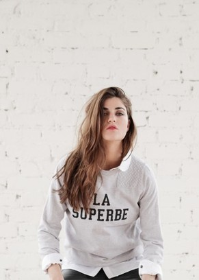 Sweat La Superbe - Sézane | Street Style | Scoop.it