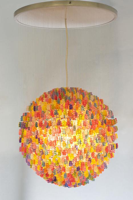 Pour les gourmands : Le lustre Haribo bears de Kevin Camperny | Visual Art - 21st century sculpture | Scoop.it