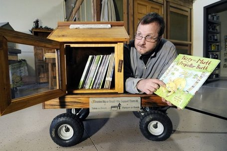 Little Free Libraries offering books in whimsical boxes around world - Press Herald | Libraries & Literature | Scoop.it