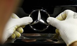 Mercedes-Benz swaps robots for people on its assembly lines | New inventions | Scoop.it