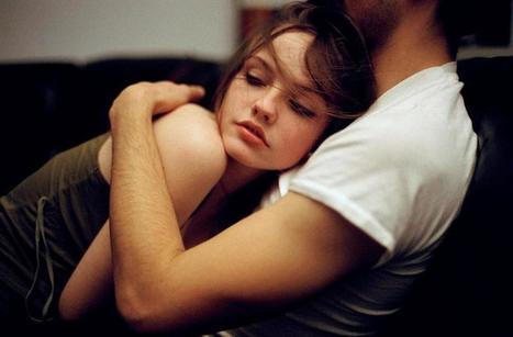 How Cuddling Can Help Build Long-Term Relationship | Health | Scoop.it