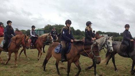 Une rando poney pluvieuse, mais joyeuse - Ouest-France | Actu Equine en Pays de la Loire | Scoop.it