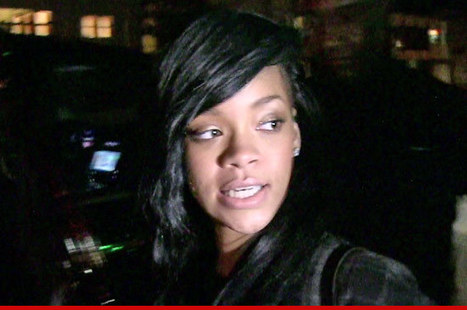 Rihanna's Ex-Accountants -- She Screwed Herself Out of Millions! | GetAtMe | Scoop.it