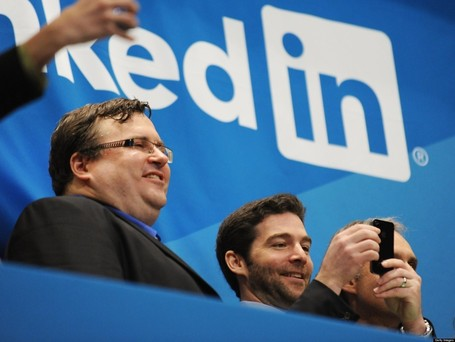 Social Media Overcrowding Is LinkedIn's Opportunity | All About LinkedIn | Scoop.it
