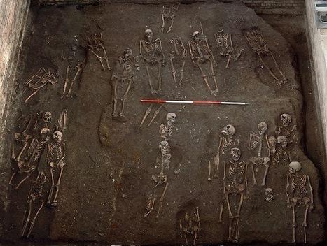 Las fotos de los 1300 cadáveres enterrados bajo la Universidad de ... - La Opinión   SoyEstudiante   Scoop.it