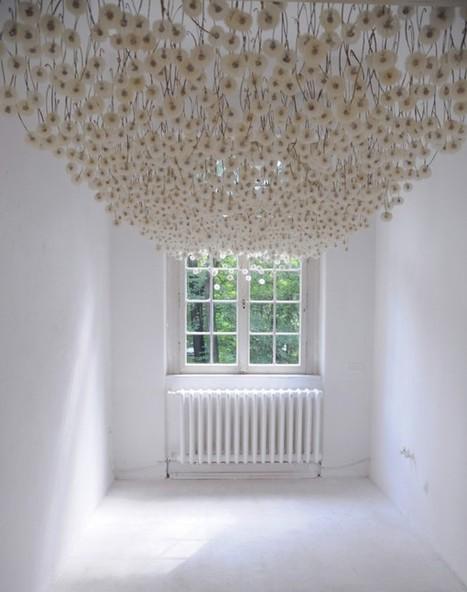 2,000 Suspended Dandelions by Regine Ramseier | Culture and Fun - Art | Scoop.it