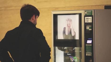 Un distributeur sensibilise des passants à la violence conjugale en jouant avec leurs nerfs | streetmarketing | Scoop.it