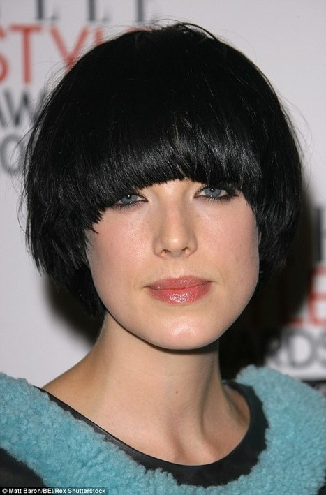 Is the BOWL CUT back? Requests for 90s mushroom hairdo soar by 200% | Kickin' Kickers | Scoop.it