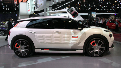 #Citroen's 'hybrid concept car' gets 115 mpg from thin air (hands-on)