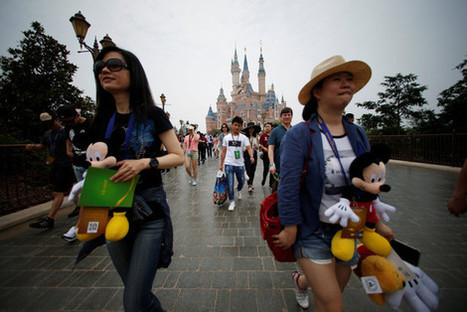 At Shanghai Disneyland, Crowds Line Up for 'Colorful Magical Fanciful Transformation' | CLOVER ENTERPRISES ''THE ENTERTAINMENT OF CHOICE'' | Scoop.it