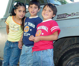 Speaking two languages also benefits low-income children   bilingual education   Scoop.it