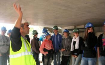 Marcillac-Vallon. Les collégiens de Kervallon sur le chantier du pont de La Mative - La Dépêche | Actualités LAGARRIGUE | Scoop.it