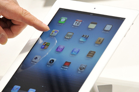 Qantas offers passengers their own iPad | BYOD (Build Your Own Device) as an IT Solution | Scoop.it