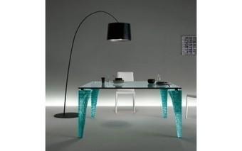 Mesas de comedor - Decorachic   Lámpara de sobremesa Dina   Scoop.it