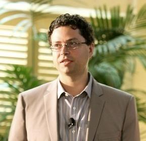 Ex-TechCrunch Editor Erick Schonfeld: How To Make Infographics Not Suck | Business 2 Community | Infographics tools | Scoop.it