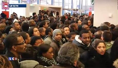 Une offre promotionnelle d'Air Caraïbes provoque l'émeute à Orly | Naviguer dans les caraïbes | Scoop.it