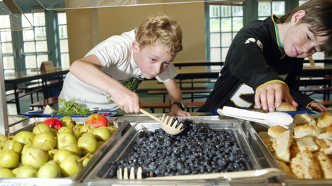 Fruit, Not Fries: Lunchroom Makeovers Nudge Kids Toward Better Choices : NPR | Supporting Healthy Schools | Scoop.it